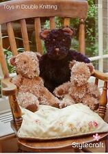 Stylecraft 9239 Knitting Pattern Teddy Bears in Stylecraft Eskimo DK