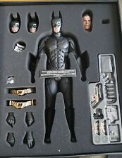 HOT TOYS DX 12 THE DARK KNIGHT RISES BATMAN 1/6 COLLECTIBLE FIGURE NEW