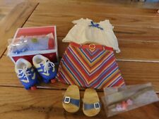 AMERICAN GIRL JULIE SUMMER SKIRT OUTFIT + ROLLER SKATES NIB RETIRED FREE SHIP