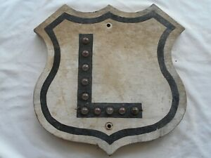 SHIELD-(WOOD)-ROAD STREET  SIGN ALPHABET LETTER L WITH CAT EYES