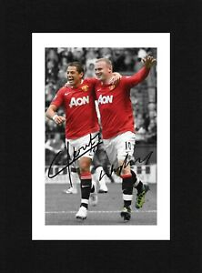8X6 Mount ROONEY & HERNANDEZ Signed PHOTO Gift Ready To Frame MANCHESTER UNITED