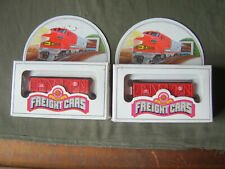 Two Bachmann Great Northern American freight cars (N gauge) boxed