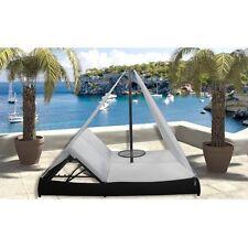 Arredo per esterni lettino rattan nero cuscini bianchi tenda parasole piscina|a3