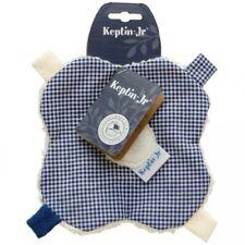 Doudou fleur à étiquettes en coton bio à carreaux bleu marine et blanc KEPTIN Jr