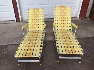 Vintage Set 2 Aluminum Folding Webbed Lawn Lounge Recliner Chair 2 Tone Yellow