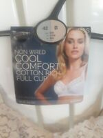 BNWT MARKS AND SPENCER LADIES! ALMOND, NON WIRED, FULL CUP BRA, SIZE 42B