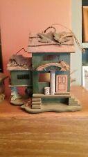 Bed & Breakfast Bird House