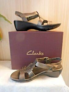 CLARK's Ladies Pewter Metallic Leather Upper  Sz 9 M UNWORN Sandals VERY Nice
