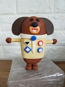 Hey Duggee edible cake topper decoration