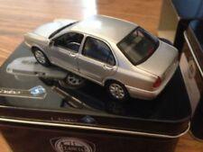Modellini statici di auto, furgoni e camion Solido argento pressofuso