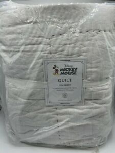 New Pottery Barn Kids Disney Mickey Mouse Full/Queen Quilt