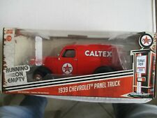 Miniature Chevrolet Panel Truck 1939 Caltex Greenlight 1/24