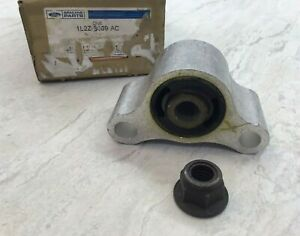 2002-2005 Ford Lincoln Mercury Upper Control Arm Insulator Bushing 1L2Z-3069-AC