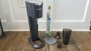 SodaStream Soda Club G100 Sparkling Water Soda Maker PLUS ACCESSORIES Working