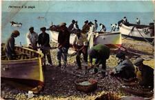 CPA Pecheurs a la plage . ITALY (497680)