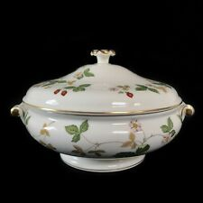 WEDGWOOD WILD STRAWBERRY LIDDED / COVERED VEGETABLE TUREEN / SERVING DISH
