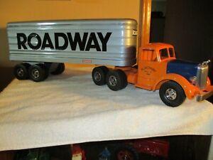Smth Miller custom Roadway semi truck