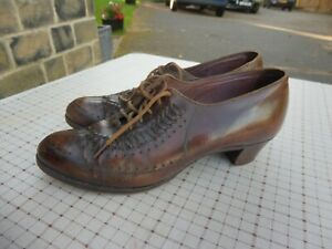 1940's era ladies brown leather lace up shoes small size