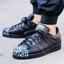 "SNEAKERS ""ADIDAS SUPERSTAR"" PHARRELL WILLIAMS -- size: 8 UK - 42 EUR - 8 1/2 USA"