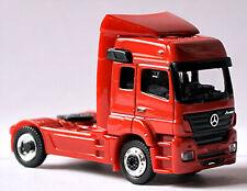Mercedes Benz Axor 2004 Cab. Solo Zugmaschine rot red 1:87 Schuco 22479