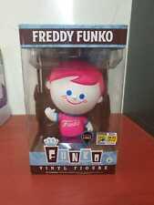 Funko Pop Fundays SDCC Pink White face Retro Freddy Blacklight w/protector