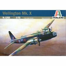 Italeri 1252. Maqueta de avioneta Wellington MK.X . Escala 1/72