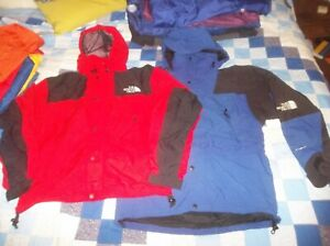 ONE The North Face Gore-tex ActiVent Jacket Coat Red TNF Vintage Softshell Small