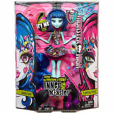 Monster High Inner Monster Transformation doll Spooky Sweet/AFFREUSEMENT FIERCE