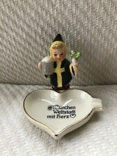 Goebel Girl Figurine Munchen Weltstadt mit herz Ashtray