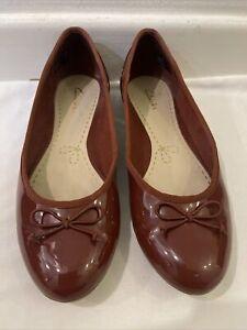 Clarks Womens Flat Slip On Shoes UK 4D / EUR 37