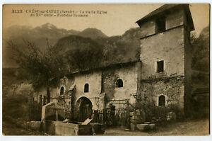 CPA 73 Savoie Grésy-sur-Isère La Vieille Eglise et Fontaine Romaine