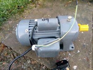 240v SINGLE PHASE ELECTRIC MOTOR