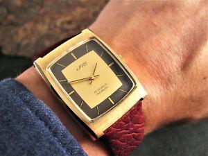 1980 UNO Vintage TANK TAUPE Peseux 7040 SLIM RETRO Mens 30 x 35mm Watch