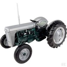 Universal Hobbies Massey Ferguson to 32 1:32 Scale Model Tractor Collectable