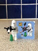 Very Rare Genuine Lego Star Wars Chewbacca Christmas Wookie White W/ Bow Caster