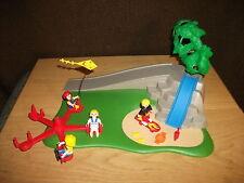 Playmobil - Terrain de jeux mit 4 Figurines et accessoires Nr. 4132