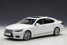 Lexus Ls600hl White Autoart 1 18 Aa78843 Miniature