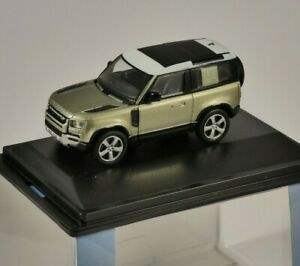 LAND ROVER NEW DEFENDER 90 in Green 1/76 scale model by Oxford Diecast