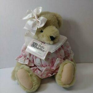 NABCO Muffy Vanderbear FLUFFY Requests the Pleasure HIGH TEA Bear