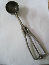 VINTAGE GILCHRISTS #30 SIZE 24 SQUEEZE ICE CREAM SCOOP