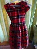 fillette  -8-10ans  neuve jolie robe à carreaux liens taille, boutonnage