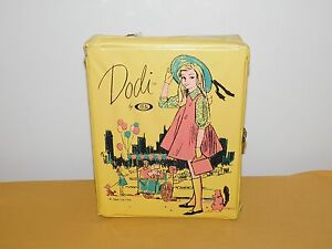 VINTAGE DOLL  TOY IDEAL DODI PLASTIC CARRYING CASE
