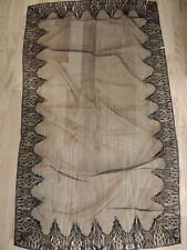 Antiguo velo de misa o mantilla religiosa, de Chantilly, ppios s XX
