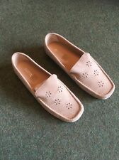 Shoe Tailor Ladies Loafer In Beige Size 8eee