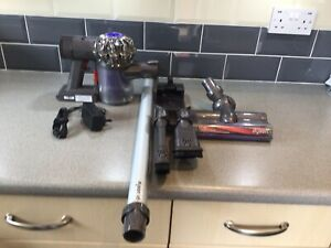 dyson v6 cordless vacuum cleaner New Battery Fully Cleaned Excellent Condition