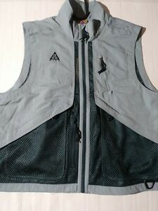 Men's Medium Nike ACG Vest BQ3619-041 Aviator Grey Deep Jungle Urban Utility NWT