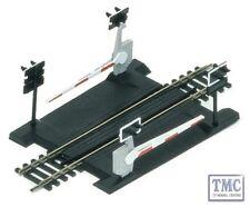 R645 Hornby HO/OO Gauge Single Track Level Crossing
