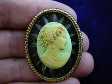 ivory Cameo oval Pin brooch Pendant necklace (Cs6-3) Woman Hair up lime green +