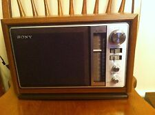 VINTAGE SONY icf-9740w 2-band am / FM Tavolo Radio in finto legno armadietto
