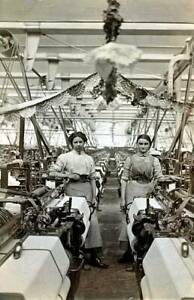 OLD PHOTO Englandsocial History Employees In A Lancashire Cotton Mill